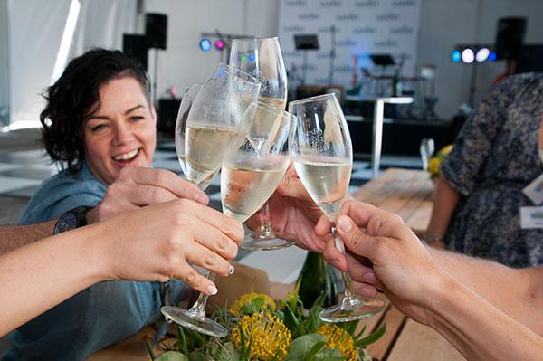Cheers-Plett-wine