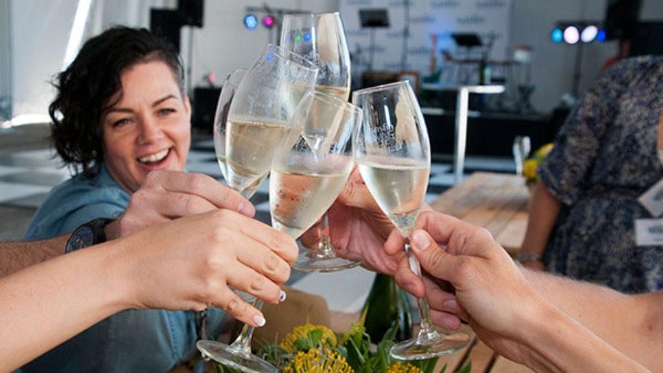 Cheers-Plett-wine-2